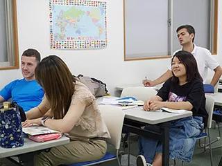 Kelas Pra-Madya